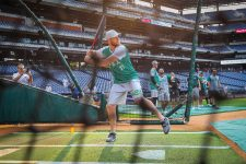 wentz_batting_practice_2_BGP-web